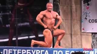 Crazy funny russian bodybuilder on bollywood