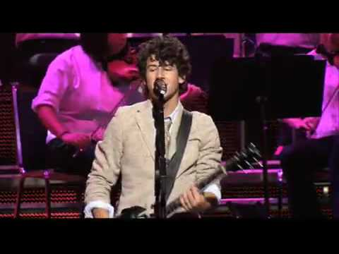 Jonas Brothers - Shelf (3D Concert Experience) Music Videos