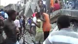 Caos E Desespero No Haiti