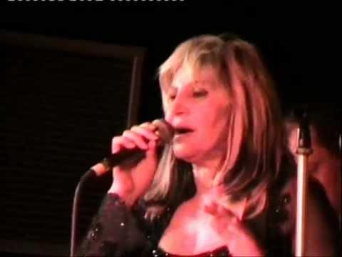 Aida Cooper – I try (live)