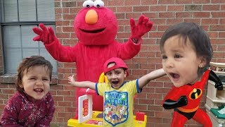 ELMO Kids Pretend Play In Real Life / Elmo's Surprise visit to Jai Bista Show