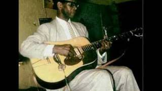 Watch Elmore James Rollin And Tumblin video