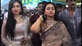 কুমারী পুজায় কুমারীর সাথে অপু বিশ্বাস (Apu Biswas in Durga Puja)