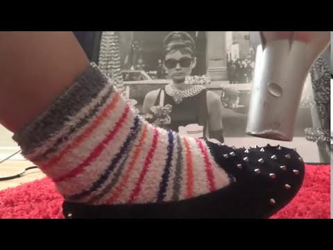 Como agrandar zapatos apretados - 2 Remedios faciles