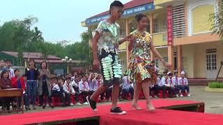 Thi biểu diễn thời trang thân thiện với môi trường (Lớp 9A Trường THCS Số 2 TT Phố Ràng)