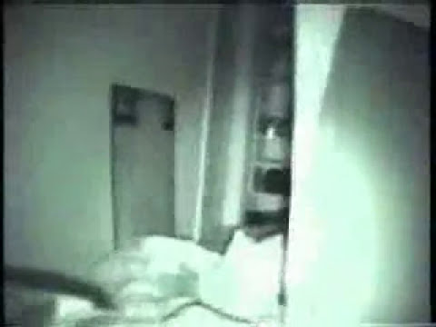 fantasma captado por un hombre y su camara