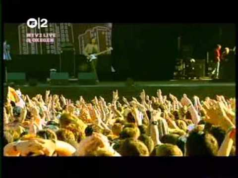 The Killers - Jenny Was A Friend Of Mine (Oxegen 2005)