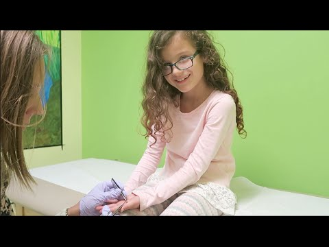 Hayley Gets Her Stitches Out (WK 274.3) | Bratayley