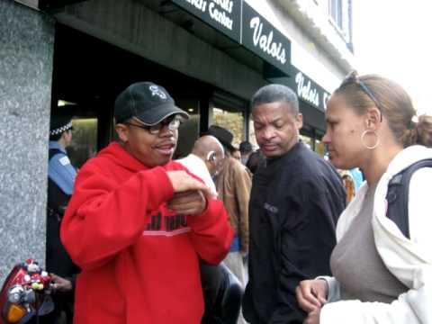 Crowds Celebrate Obama at Valois in Hyde Park, Chicago on Nov 5th!!