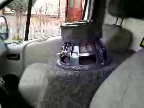 Emphaser x4 2500 w rms in trafic youtube for 20000 watt tahoe window shake