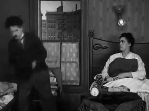 شارلي شابلن باللهجة المغربية الهوارية.2... Charlie Chaplin Comes To The House In The Late Suspended video