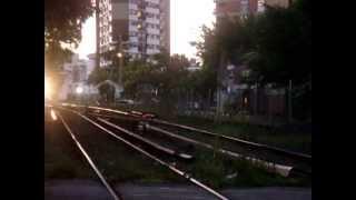 video General Motors GT22 9026 en paso a Nivel de Echeverría rumbo a Retiro procedente de Tucuman.