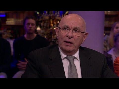 'Sepp Blatter niet meer geloofwaardig' - RTL LATE NIGHT