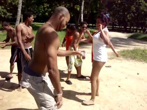 En playa Grande republica dominicana Bailando Dembow prendelo