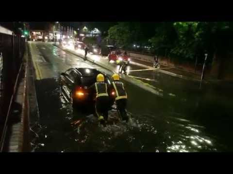 CARS TRAPPED IN FLOOD LONDON