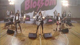 Download Lagu 【MV full】 GIVE ME FIVE ! / AKB48[公式] Gratis STAFABAND