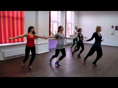 Группа по женскому стилю в сальсе с Натальей Мелешковой