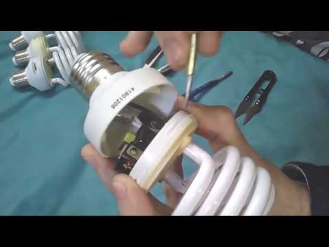 Как отремонтировать лампочку экономку  с помощью отвёртки