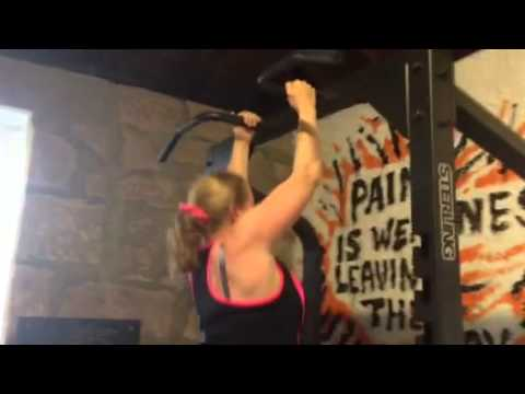 SOS PT gym - siona strong on her pull ups