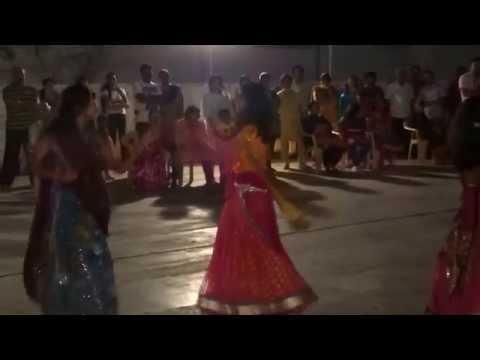 Rangeelo Maro Dholna and Nagada Sang Dhol Dance