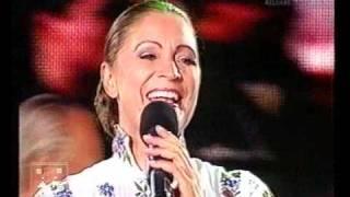 "Matilda Pascal Cojocarita, Orchestra Lautarii & dansatorii ""Ca la Noi"" din Bacau"