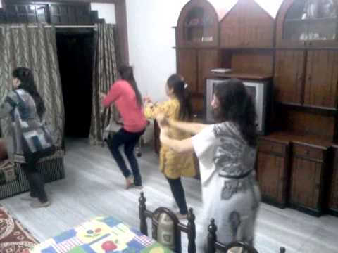pooja weds rahul (mehendi rachan lagi)