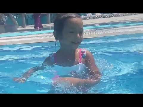 Elifin Aquapark keyfi 2,Eğlenceli çocuk videosu (2/3) ( Derlenmiş eski video )