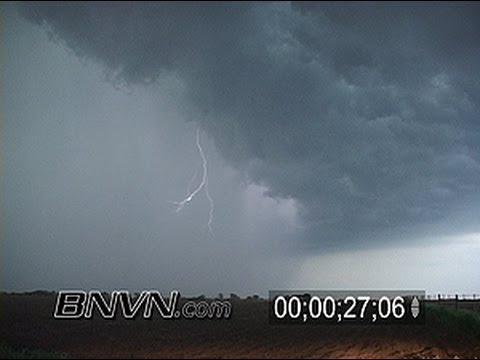 5/8/2004 Raw Lightning and rain shaft Stock Video