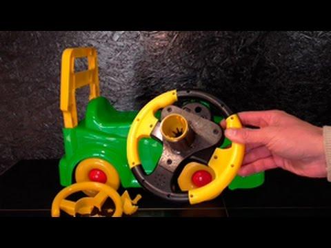 子供のおもちゃの車のハンドルが壊れたのでハイグレードなハンドルに改造!