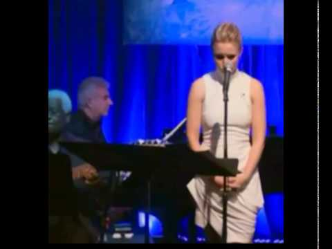 Kristen Bell Do You Wanna Build a ⛄ Frozen LIVE