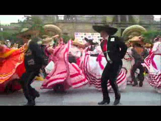 Récord Guiness Guadalajara 2011: Más bailarines en canciones folclóricas