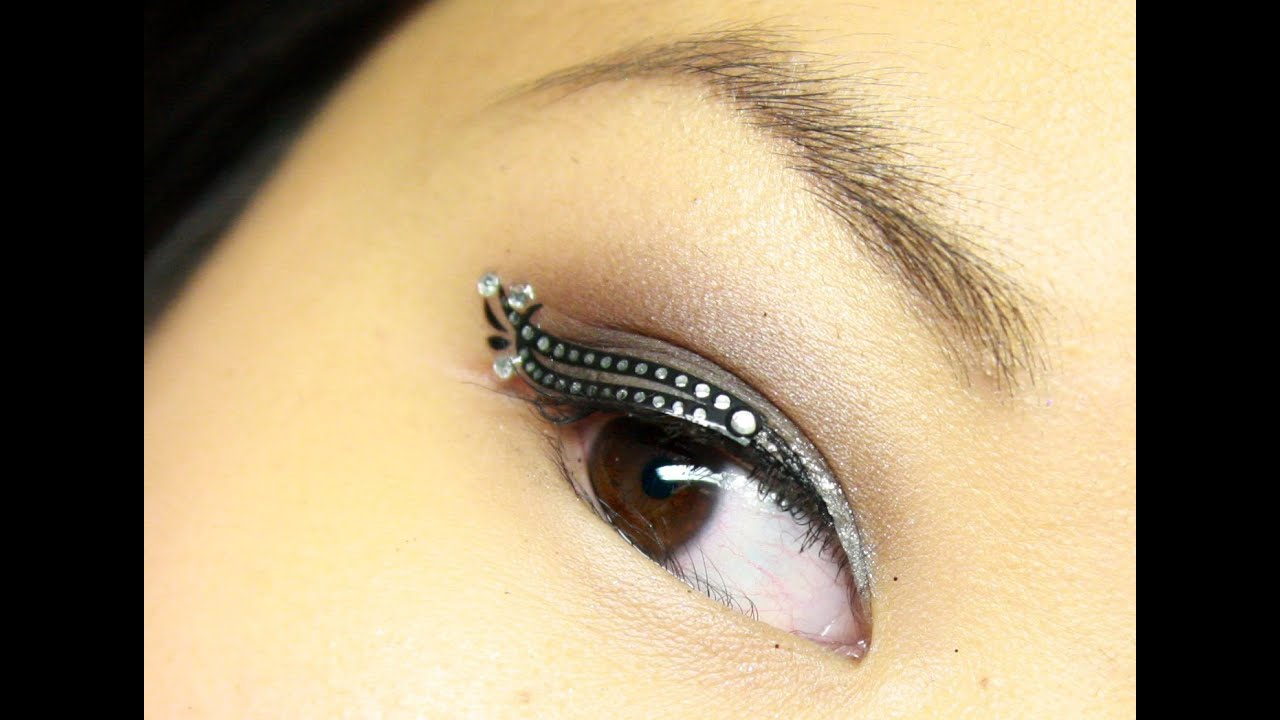 Eye jewels makeup