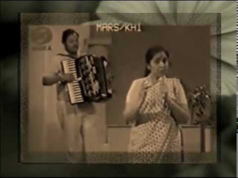 KABHI KAHA NA KISI SE - ASHA BHOSLE LIVE GHAZAL