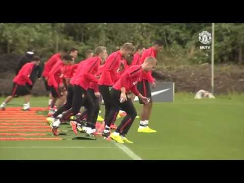 Marcos Rojo's first training session | Manchester United