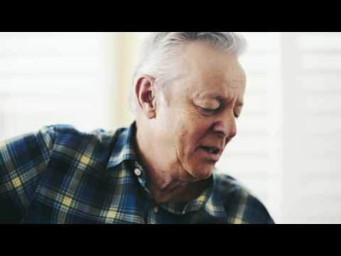 Tommy Emmanuel - The Man With The Green Thumb