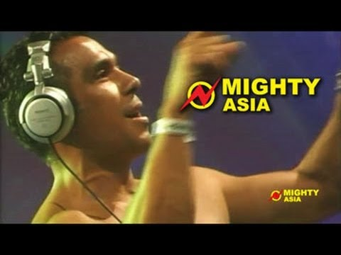 DJ Tony Moran – Put Your Hands Up feat. Everett Bradley – Mighty Asia