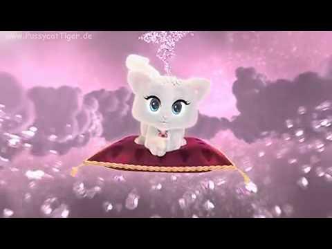 белая кошка поет на немецком видео