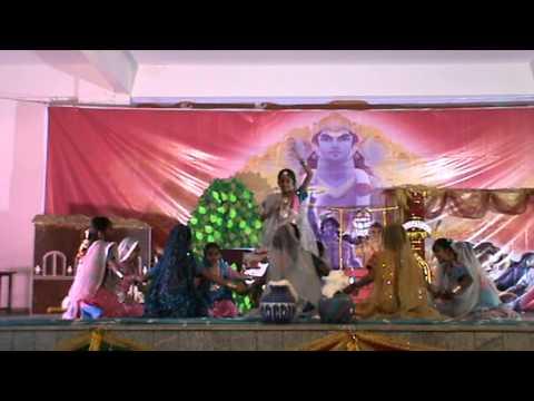 Srishtis Dance Performance - Woh Kisna hai