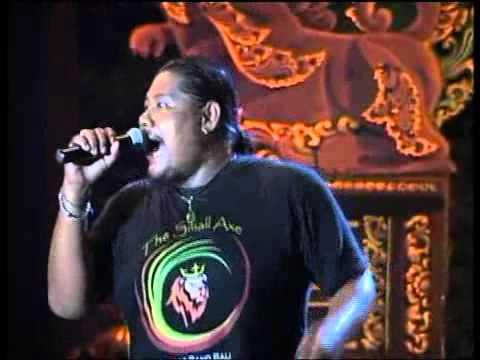 PUTRI CENING AYU ( thesmallaxe reggae band bali )