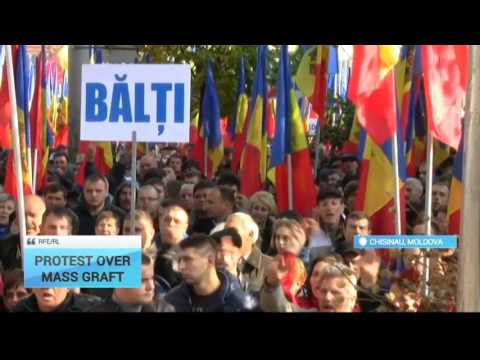 Moldova Anti-Government Rally: Activists attempting to beseige parliament