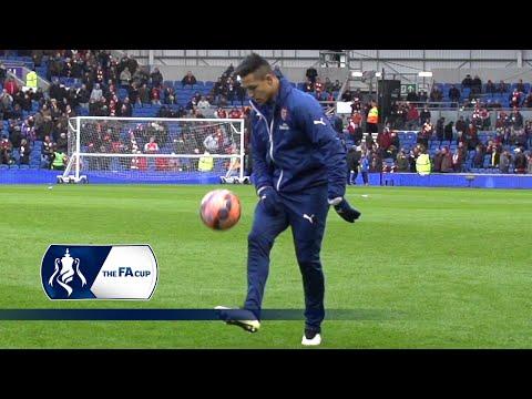 Sanchez shows off his footwork | Slowmo Skills