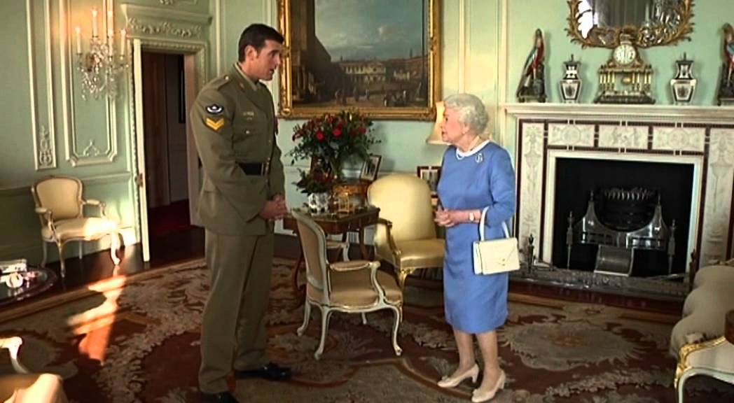 Queen Elizabeth II meets Victoria Cross recipient Corporal ...