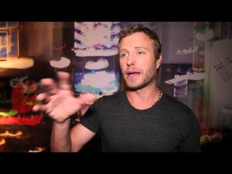 Dierks Bentley Talks Hosting 2013 ACM Honors