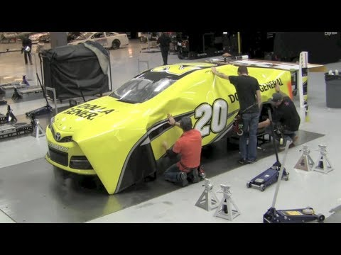 How NASCAR race cars get their color - Matt Kenseth's Dollar General Toyota Camry wrap