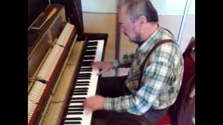 Tri oriesky pre popolusku a Kdepak ty ptacku hnizdo mas - profik hra na klaviri plna verzia