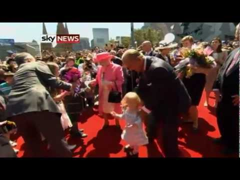 The Queen Meets Conjoined Twins In Melbourne Hospital