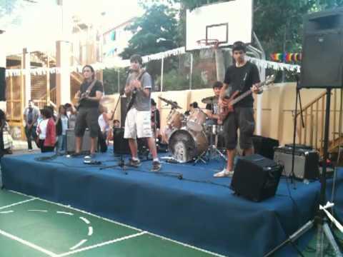 Concierto Colegio Elfo 17 De Junio Accidentally In Love 2010