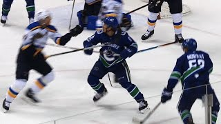 On delayed penalty Canucks denied goal after Blues touch puck with hand