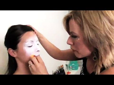 How to apply face paints with brush sponge using mehron for How to apply face paint