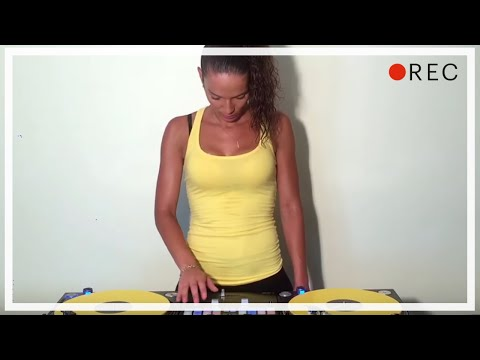 DJ Lady Style - Scratch Routine ( J Balvin & Willy William - Mi Gente)